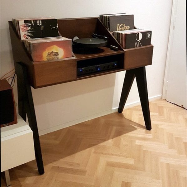 Vinyl-Console Black turntable and record player cabinet